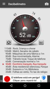 Imagem de captura de tela do Soundmeter indicando ambiente com 52 decibéis de ruído